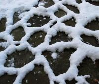 snowfall-on-stones