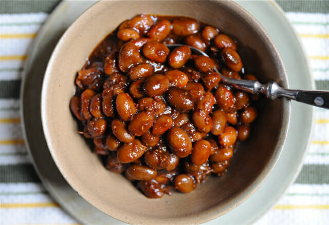 baked beans in bowl