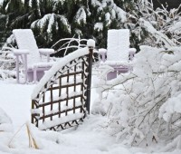 lavender-chairs-in-snow