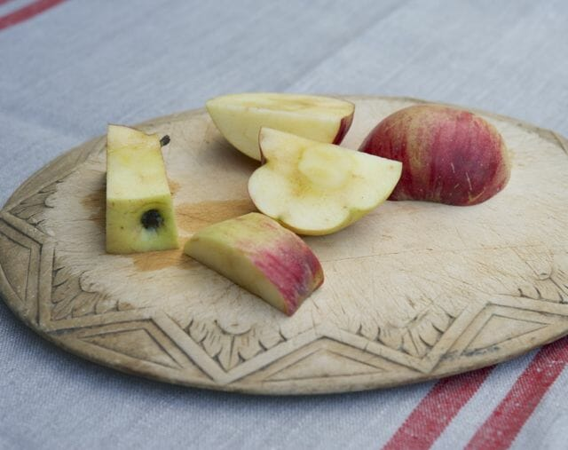 Cutting up apples for sauce