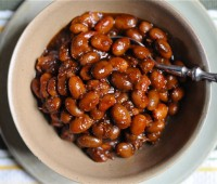 3 variations on baked beans: sweet, smoky, spicy